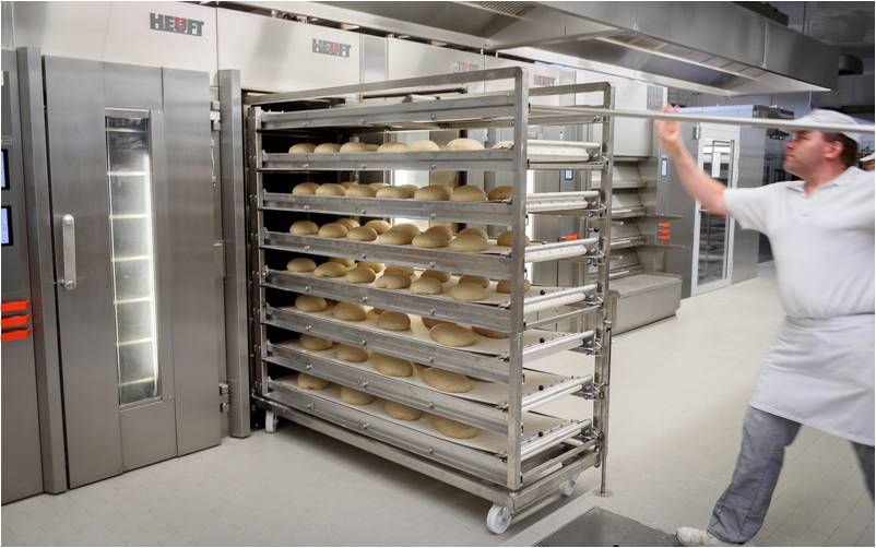 Posebne izvedbe peči Thermo-roll omogočajo peko na kamnitem podu