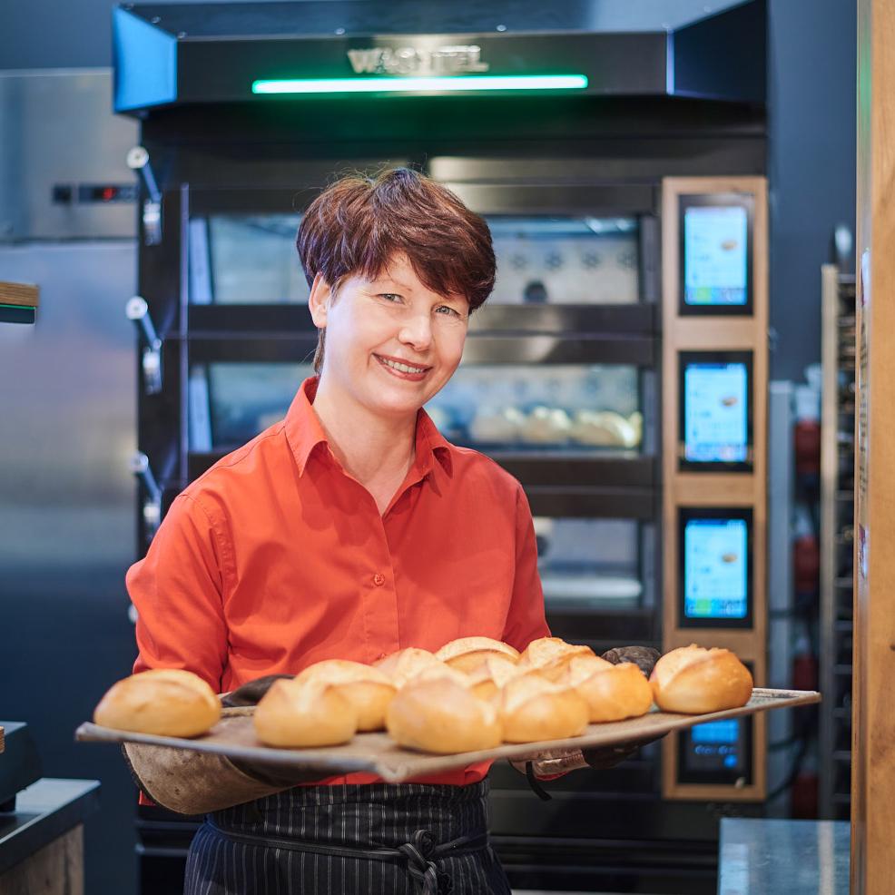 tehnol-peka-na-prodajnem-sl-11