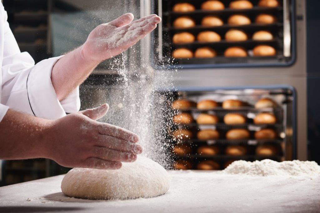 tehnol-peka-na-prodajnem-sl (2)
