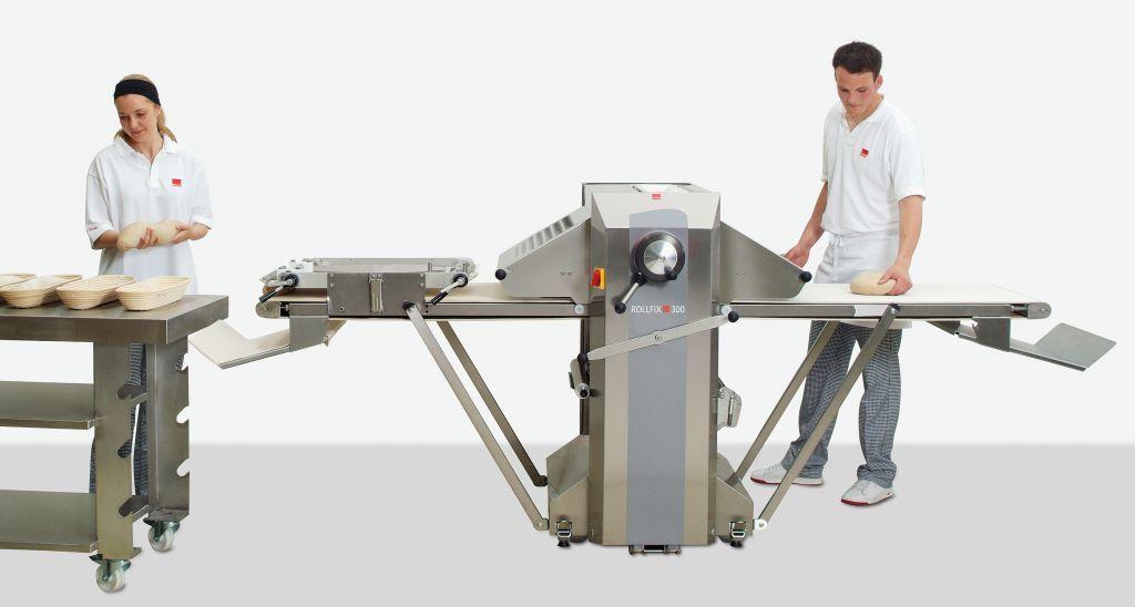 Rollfix 300, izvedba W, z napravo za oblikovanje peciva in štruc.