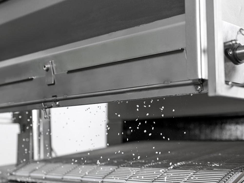 Naprava za pripravo luženega peciva RMBB-04