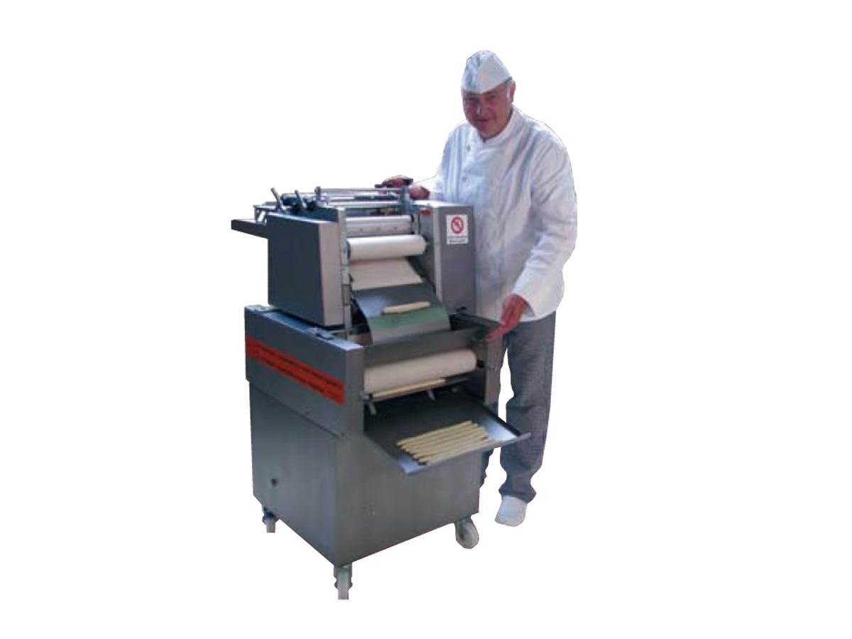 Stroji za oblikovanje kruha in peciva UNIVERSUM 3050-03