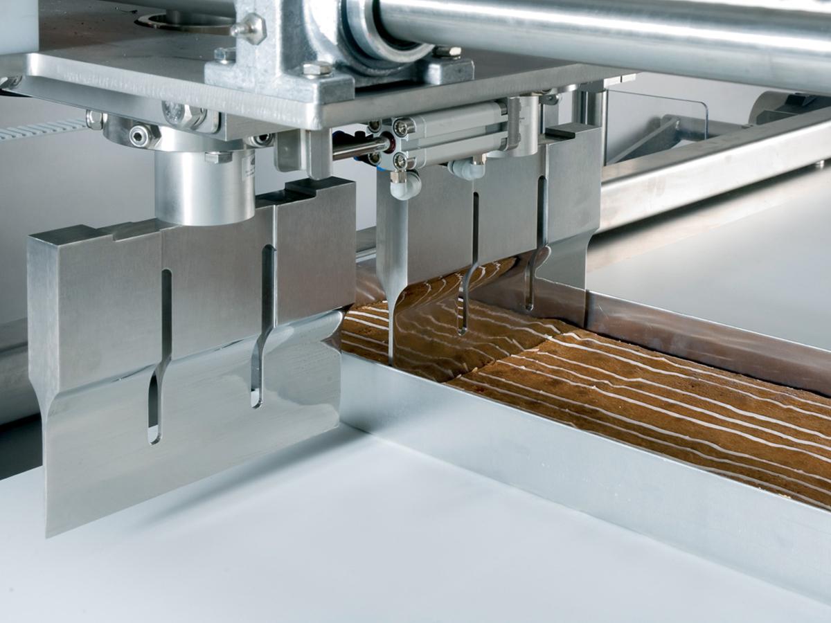 Ultrazvočni stroj za rezanje tort in različnih slaščic BAKON INLINE-06