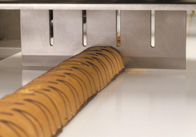 Ultrazvočni stroj za rezanje tort in različnih slaščic BAKON INLINE-10