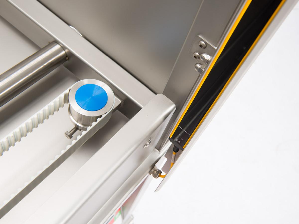 Ultrazvočni stroj za rezanje tort in različnih slaščic BAKON NANO-03