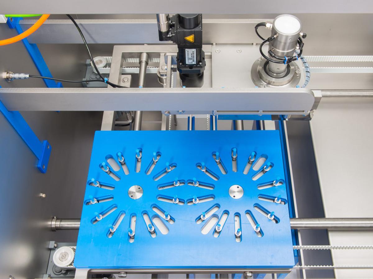 Ultrazvočni stroj za rezanje tort in različnih slaščic BAKON NANO-04