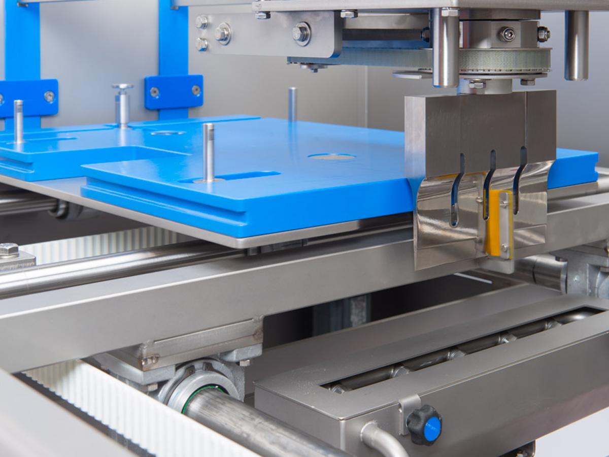 Ultrazvočni stroj za rezanje tort in različnih slaščic BAKON NANO-05