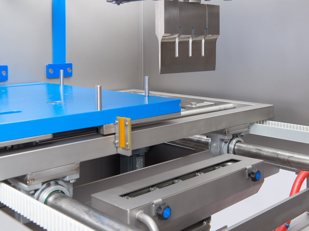 Ultrazvočni stroj za rezanje tort in različnih slaščic BAKON NANO-06