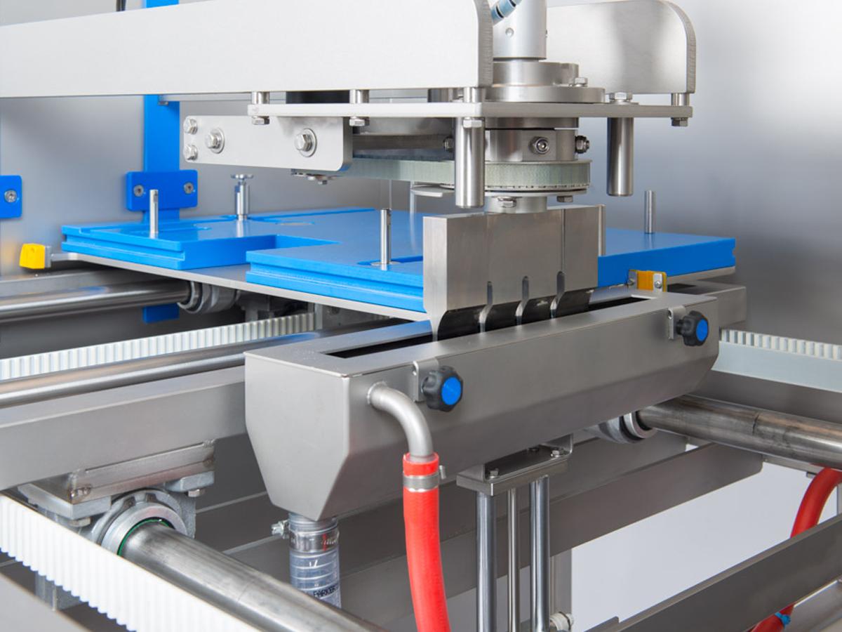Ultrazvočni stroj za rezanje tort in različnih slaščic BAKON NANO-07